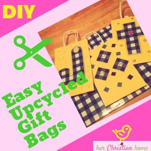 Easy Upcycled DIY Gift Bags #diycrafts #upcycle