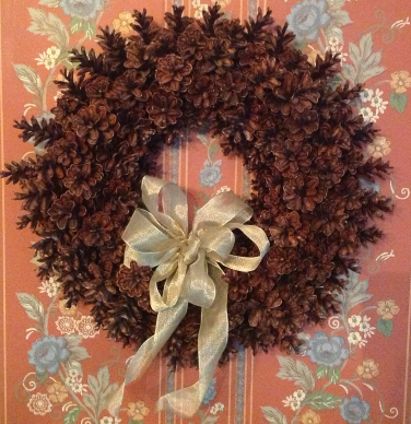 Beautiful pinecone wreath - how to